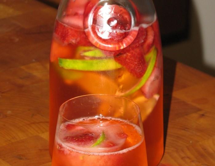 Strawberry Lime Spritzer