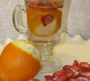 Strawberry and Tangerine Metabolism Boosting Drink